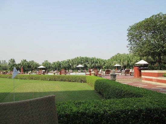 Taj Diplomatic Enclave, New Delhi: Outdoors at the Taj