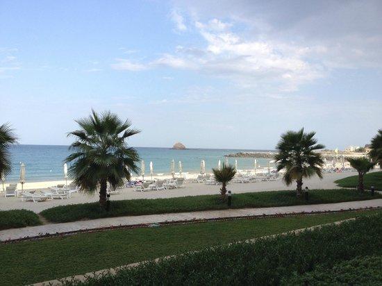 Radisson Blu Resort Fujairah : Dibba Rock, view from the room