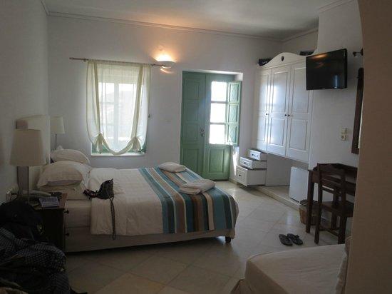 Liostasi Hotel & Suites: Room