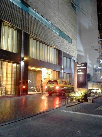 Bangkok City Hotel : Entrance