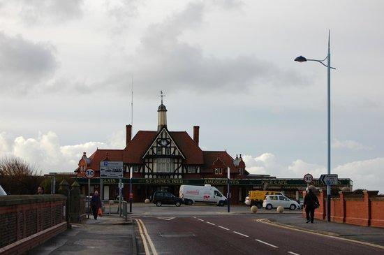 Travelodge Lytham St Annes: Pier