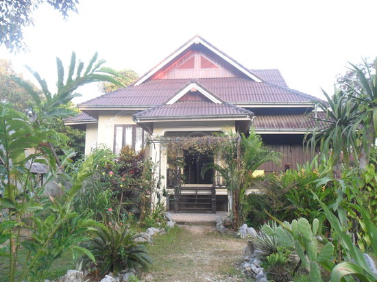 Phongsavanh Resort: Main House