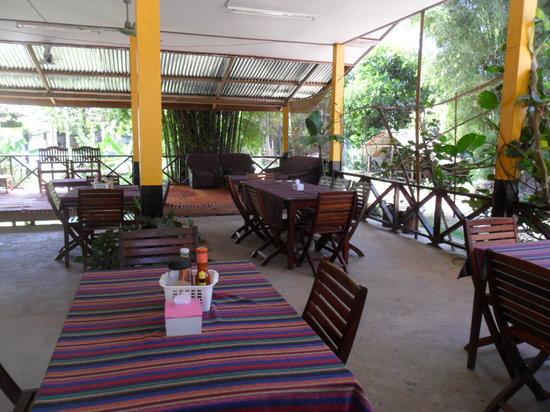 Vang Vieng Boutique Resort : Resataurant area