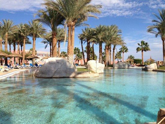 lti Tropicana Grand Azure: Pool Area
