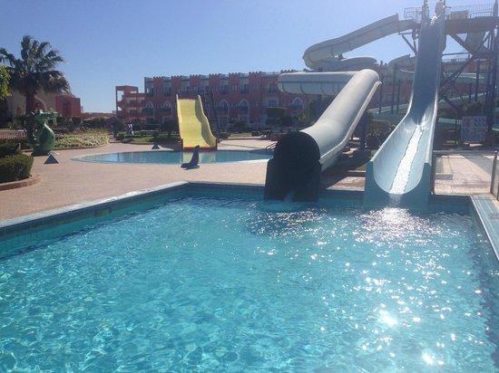 lti Tropicana Grand Azure: Slides