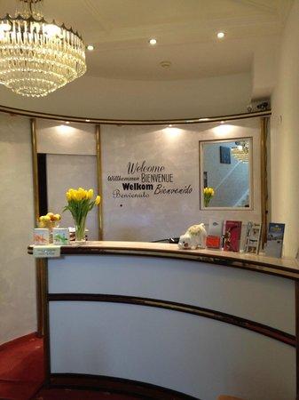 Hotel Cafe Ebner: Reception