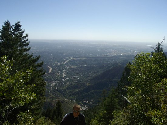 Manitou Springs Incline: view