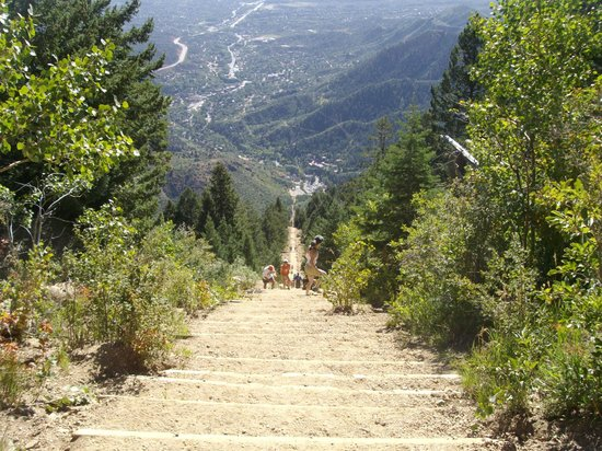 Manitou Springs Incline : view down