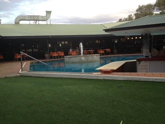 Mercure Alice Springs Resort: pool