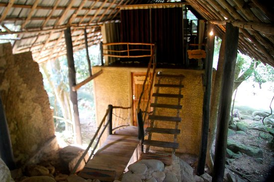 Ella Jungle Resort: Rooms are above each other