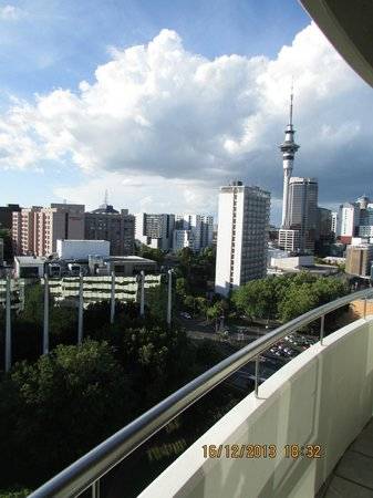 Quest Auckland Serviced Apartments: View from room balcony at Auckland