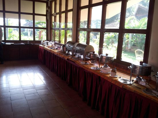 Club Mahindra Kumarakom: Dining