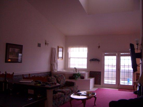 Judith Ann Inn: Great room area