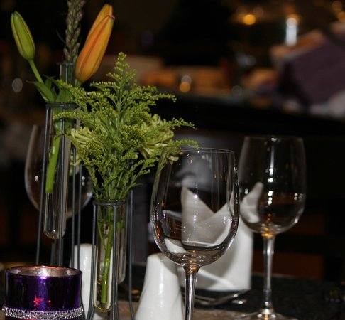 Indaba Lodge Richards Bay: Oasis Restaurant detailed