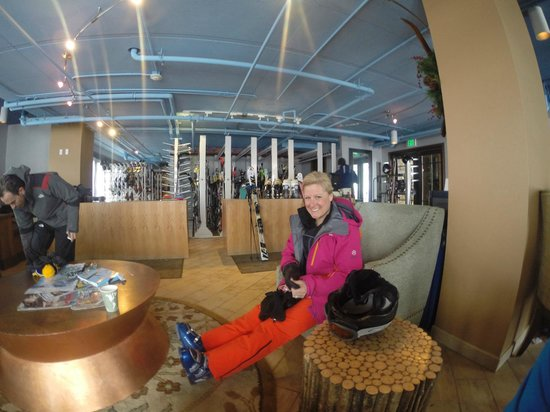Madeline Hotel and Residences: Ski Valet Area