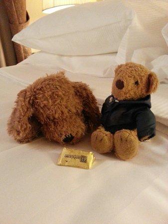 Golden Tower Hotel & Spa: チョコレートもらったよ!