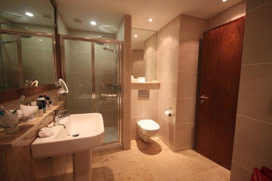 Europa Hotel - Belfast: Bathroom