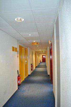 Ptit Dej Hotel: Couloir