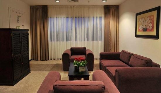 Indaba Lodge Richards Bay: Suite Lounge