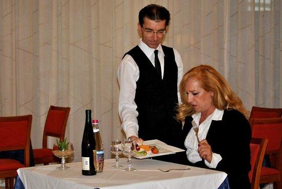 Minerva Hotel : Servizio a Tavola