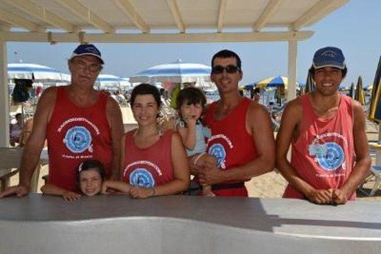 Bagno egisto 38 viserba staff spiaggia picture of beach egisto 38 viserba tripadvisor - Bagno 38 rimini ...