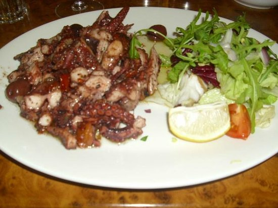 Cafe Ranieri: Octopus with garlic