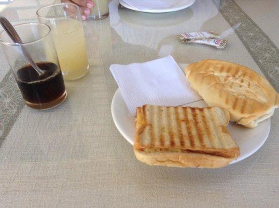 Pousada Cantinho de Geriba: cafe da manha