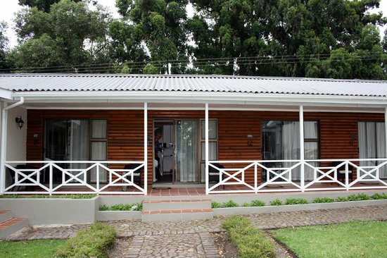 Tsitsikamma Village Inn : view of one of the house