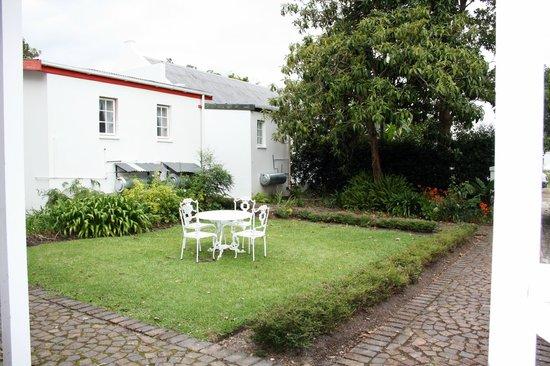 Tsitsikamma Village Inn : garden