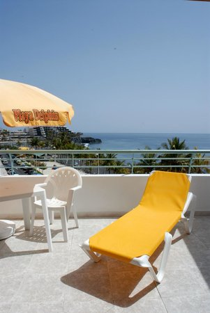 Photo of Apartamentos Playa Delphin La Palma