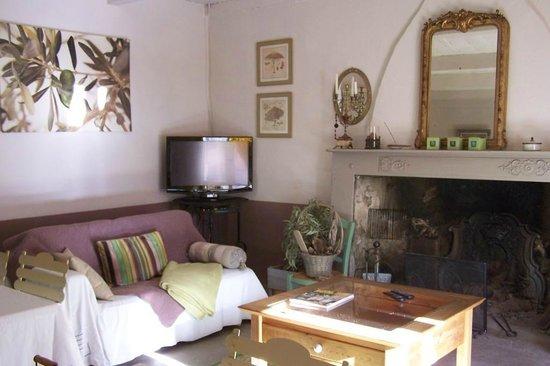 Petit déjeuner dans le jardin - Picture of Casa Magdala, Corte ...