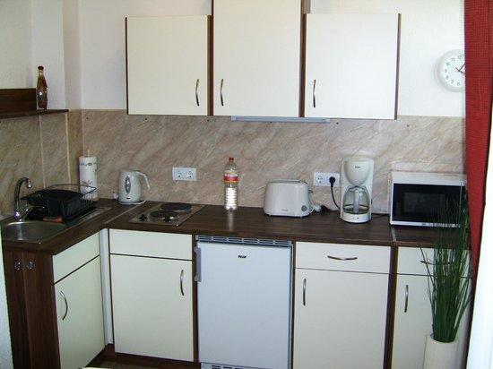 Nikol Apartments: Dessi