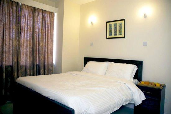 Nairobi Airport Hotel: Master bedroom