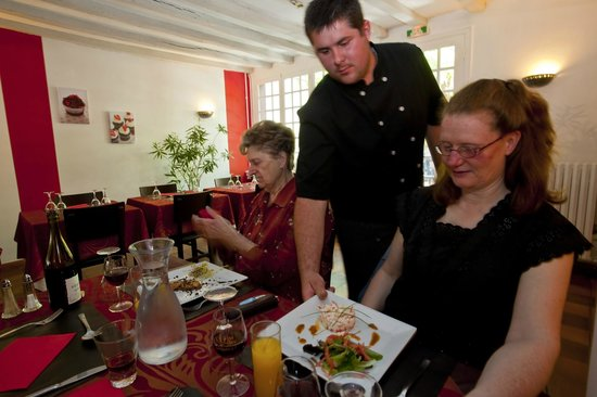 Le Gril'Othe : service du chef