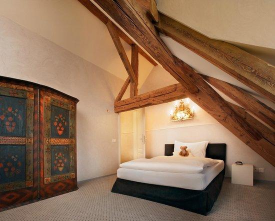Romantik Hotel de l'Ours: La Chambre Grise