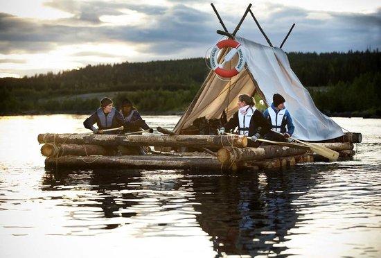 Granon, Sweden: Buildning a raft