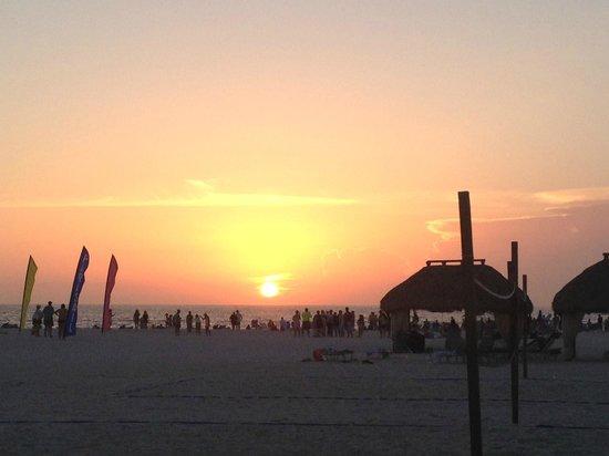 JW Marriott Marco Island Beach Resort: Beach