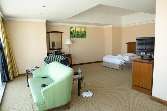 Baiyoke Sky Hotel: A Junior Suite