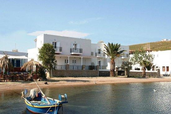 Silver Beach Hotel: Hotel Exterior
