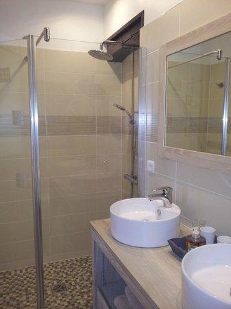 Maison Marchand : salle de bain terrasse 1