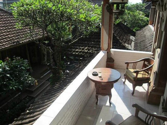 Nuriani Roof Garden Guest House: Balcony