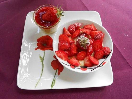 Le Moulin de Tauran : dessert  de la table d'hôtes