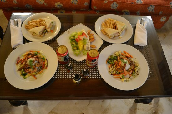Occidental at Xcaret Destination: Room Service )