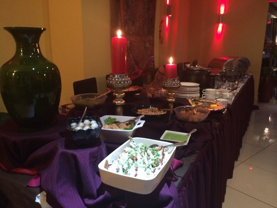 Cinnamon Lounge: Sunday buffet