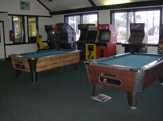 American Quality Lodge Panama City: game room