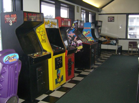 American Quality Lodge Panama City: video games