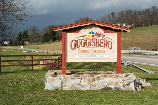 Guggisberg Cheese Factory: Roadside Sign