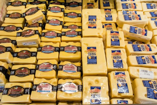 Guggisberg Cheese Factory : Swiss of Different Ages