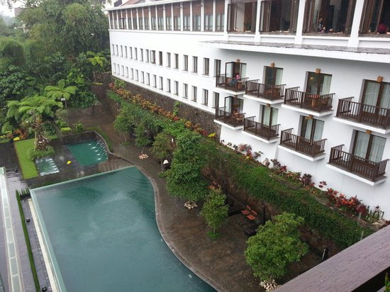 Padma Hotel Bandung: View of pool from 1st  Floor, The Restaurant