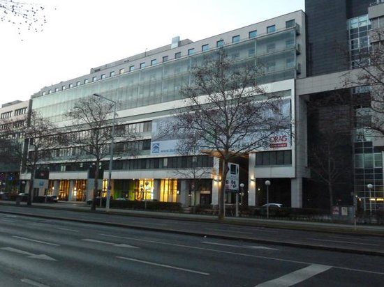 ibis budget Wien Messe: Внешний вид отеля